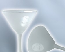 sklenice na ledovou kávu